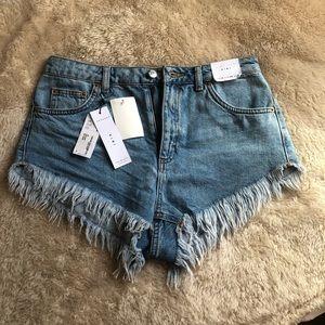 BRAND NEW Topshop Jean fringe shorts